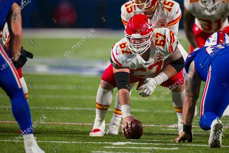Kansas City Chiefs center Daniel Kilgore (67) readies the snap during the second half of an NFL football game against the Buffalo Bills, in Orchard Park, N.Y