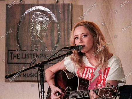 Stock Picture of Singer-songwriter Kalie Shorr