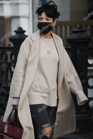Exclusive - Lily Allen out shopping in Soho