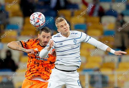 Leonardo Bonucci (L) of Juventus and Vladyslav Supryaha (R) of Dynamo Kyiv in action during the UEFA Champions League group stage soccer match between Dynamo Kyiv and Juventus in Kiev, Ukraine, 20 October 2020.