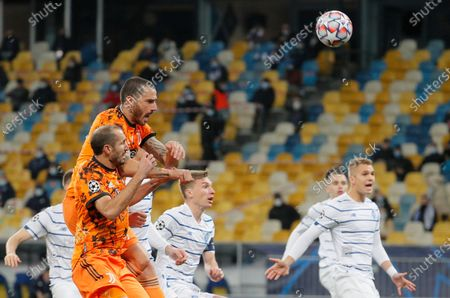 Leonardo Bonucci (L, top) of Juventus in action during the UEFA Champions League group stage soccer match between Dynamo Kyiv and Juventus in Kiev, Ukraine, 20 October 2020.