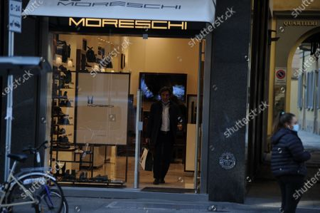 Urbano Cairo buys shoes