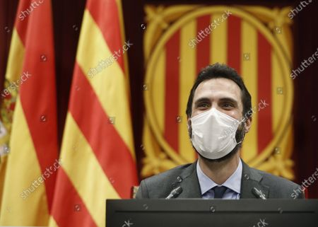 Catalonian Parliament speaker Roger Torrent chairs the plenary session of Catalonia's chamber in Barcelona, Catalonia, north-eastern Spain, 21 October 2020.