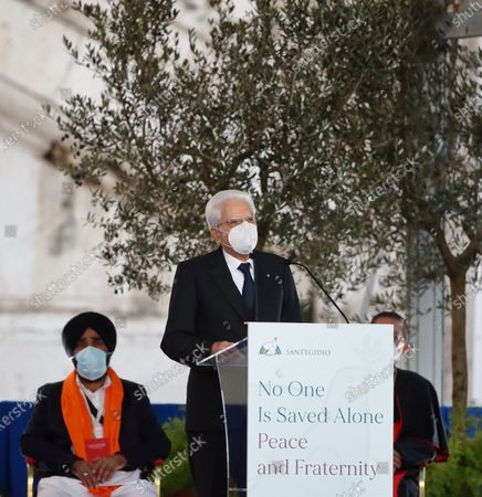 "Piazza del Campidoglio. 34th International Meeting of Prayer for Peace entitled ""No one is saved alone. Peace and Fraternity"", promoted by the Community of Sant'Egidio, with the participation of Pope Francis and representatives of other religions including the patriarch of Constantinople Bartholomew I; the Chief Rabbi of France Haim Korsia; the general secretary of the Higher Committee of Human Fraternity (Islam) Mohamed Abdelsalam Abdellatif; the Buddhist Shoten Minegishi. The President of Italy Sergio Mattarella."