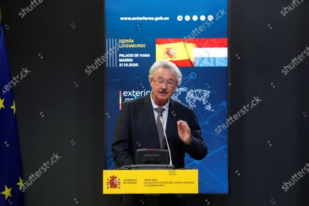 Luxembourg's Foreign Affairs Minister Jean Asselborn speaks during a joint press conference with his Spanish counterpart, Arancha Gonzalez Laya, after their meeting at Viana Palace in Madrid, Spain, 21 October 2020.