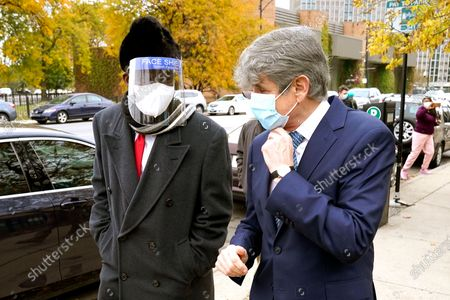Stock Image of Chicago businessman Willie Wilson, left, walks with former Illinois Gov. Rod Blagojevich, after Blagojevich endorsed Wilson for the U.S. Senate seat currently held by incumbent Dick Durbin, D-Ill., during a news conference in Chicago
