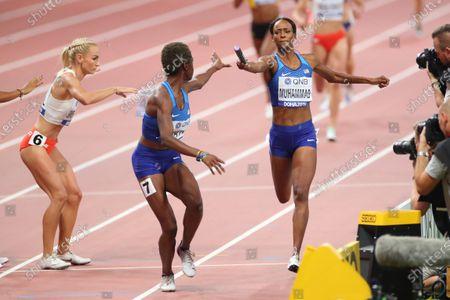 (L to R)  Wadeline Jonathas,  Dalilah Muhammad (USA) - Athletics :  IAAF World Championships Doha 2019  Women's 4400m Relay Final  at Khalifa International Stadium in Doha, Qatar.