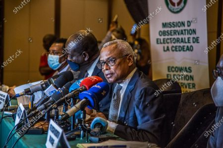 """Stock Photo of Jose Maria Neves (front), head of the Economic Community of West African States (ECOWAS) observation mission and former Cape Verdean prime minister, speaks at a press conference in Conakry, the capital of Guinea, Oct. 20, 2020. African Union (AU) and the ECOWAS observation missions have congratulated Guinea on its """"peaceful, transparent and inclusive"""" presidential election."""