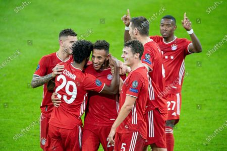 Corentin Tolisso (FC Bayern Muenchen #24),  with Kingsley Coman (FC Bayern Muenchen, #29), Niklas Suele (FC Bayern Muenchen #04), Benjamin Pavard  (FC Bayern Muenchen #05)
