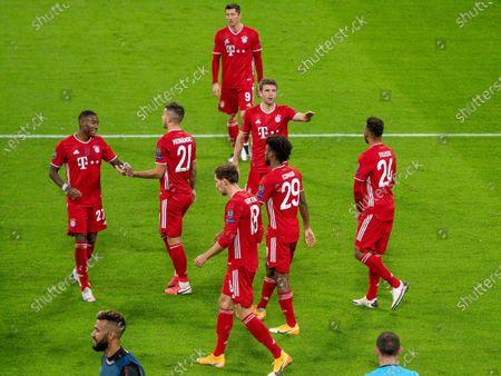 Kingsley Coman (FC Bayern Muenchen, #29), David Alaba #27 (FC Bayern Muenchen), Lucas Hernandez #21 (FC Bayern Muenchen), Robert Lewandowski #9 (FC Bayern Muenchen), Thomas Mueller #25 (FC Bayern Muenchen), Leon Goretzka #18 (FC Bayern Muenchen), Corentin Tolisso #24 (FC Bayern Muenchen)