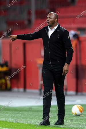 Nice coach Patrick Vieira gestures on the sidelines during the Europa League group C soccer match between Bayer Leverkusen and OGC Nice in Leverkusen, Germany