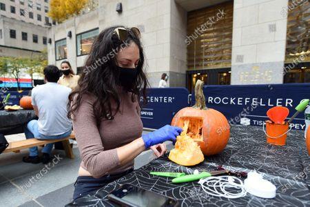Redakční obrázek na téma Pumpkin carving, New York, USA - 22 Oct 2020