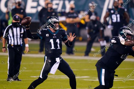 Philadelphia Eagles' Carson Wentz plays during the first half of an NFL football game against the New York Giants, in Philadelphia