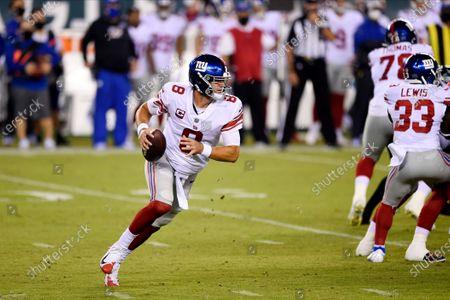 New York Giants' Daniel Jones plays during the first half of an NFL football game against the Philadelphia Eagles, in Philadelphia