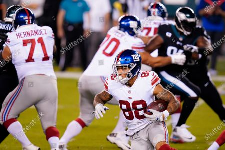 New York Giants' Evan Engram plays during the first half of an NFL football game against the Philadelphia Eagles, in Philadelphia