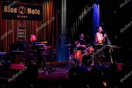 Serena Brancale and Willie Peyote at the jazz Club Blue note, which anticipates the shows to respect the curfew of 11pm