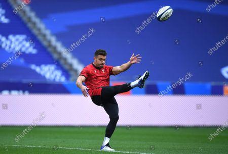 Rhys Webb during training.