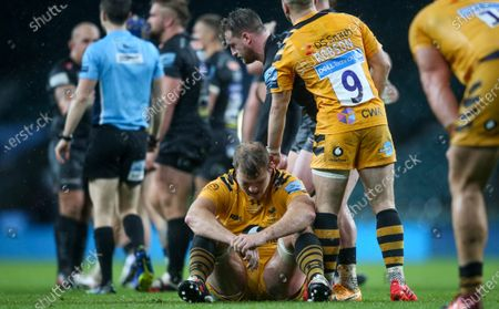 Joe Launchbury (Captain) of Wasps devastated and dejected after defeat