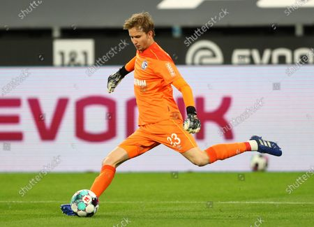 Schalke's goalkeeper Frederik Ronnow in action during the German Bundesliga soccer match between Borussia Dortmund and FC Schalke 04 in Dortmund, Germany, 24 October 2020.