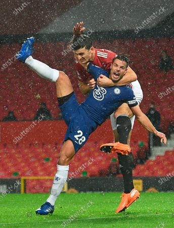 Harry Maguire (R) of Manchester United in action against Chelsea's Cesar Azpilicueta (L) during the English Premier League soccer match between Manchester United and Chelsea FC in Manchester, Britain, 24 October 2020.