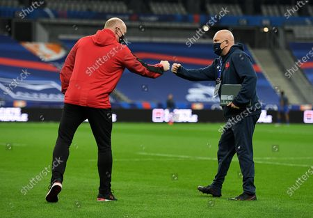 Martyn Williams and France defence coach Shaun Edwards.