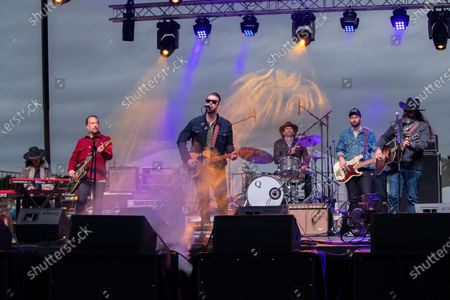 Sam Powell, Mark Nathan, Taylor Williams, Brian Bowe, Chris Spencer, and Graham Weber of Western Youth performs