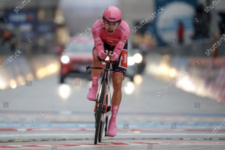 Australia's Jai Hindley competes during the final stage of the Giro d'Italia cycling race, a 15.7 kilometers (9.756 miles) individual time trial from Cernusco sul Naviglio to Milan, Italy