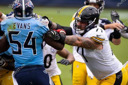Pittsburgh Steelers offensive guard Matt Feiler (71) blocks Tennessee Titans inside linebacker Rashaan Evans (54) during the second half of an NFL football game, in Nashville, Tenn