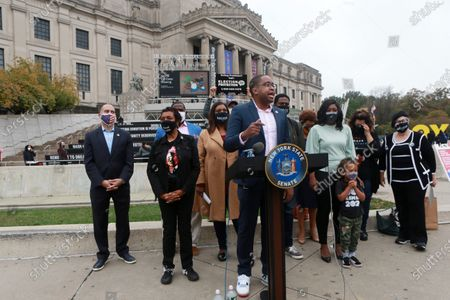 Stock Photo of (L-R) New York State Senator Senator Zellnor Y. Myrie, New York State Senator Kevin Parker, U.S. Congress Member Yvette Clarke, New York State Attorney General Leticia James, New York State Assembly Member Diana C. Richardson and U.S. Congress Member Hakeem Jefferies hold press conference as Early Voting opens in New York City with anticipated large crowds waiting in lines for sometimes two or more hours to cast their votes at the Brooklyn Museum on October 24, 2020 in Brooklyn, New York