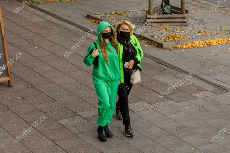 Erna Klum, Helene Leni Boshoven Samuel, Heidi Klum goes sightseeing with family in Berlin