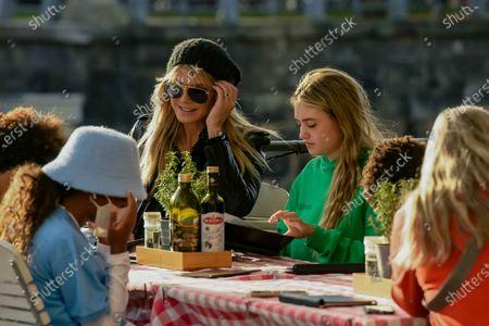 Lou Sulola Samuel, Heidi Klum, Helene Leni Boshoven Samuel,, Heidi Klum goes sightseeing with family in Berlin