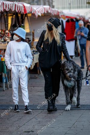 Lou Sulola Samuel, Heidi Klum, dog Anton, Heidi Klum goes sightseeing with family in Berlin