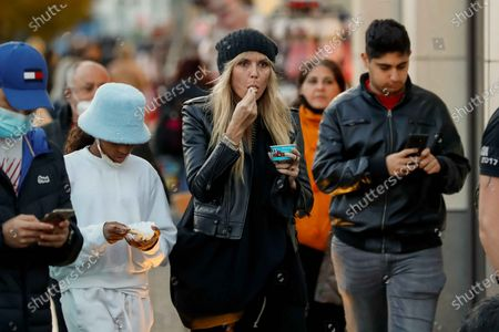 Lou Sulola Samuel, Heidi Klum goes sightseeing with family in Berlin