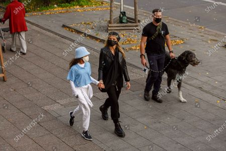 Heidi Klum, Lou Sulola Samuel, dog Anton, Heidi Klum goes sightseeing with family in Berlin