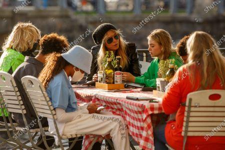 Erna Klum, Lou Sulola Samuel, Heidi Klum, Helene Leni Boshoven Samuel,, Heidi Klum goes sightseeing with family in Berlin
