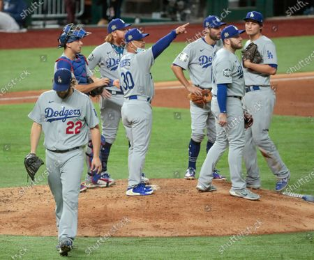 Arlington, Texas, Sunday, October 25, 2020 Manager Dave Roberts removes starter Clayton Kershaw from the game with two outs in the sixth inning in game five of the World Series at Globe Life Field. (Robert Gauthier/ Los Angeles Times)