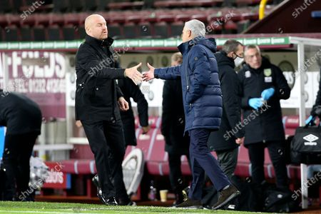 Burnley Manager Sean Dyche and Tottenham Hotspur Manager José Mourinho shake hands at the end of the Premier League match between Burnley and Tottenham Hotspur at Turf Moor, Burnley