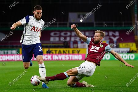 Matt Doherty of Tottenham (L) in action against Charlie Taylor of Burnley (R) during the English Premier League match between Burnley and Tottenham Hotspur in Burnley, Britain, 26 October 2020.