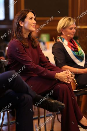 Crown Princess Mary attended the 7th award ceremony of the FSR (Danish Professional Association of Auditors) and CSR Reporting (CSR Business-Magazin) in the stock exchange in Copenhagen, Denmark.