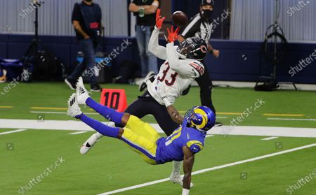 Chicago Bears cornerback Jaylon Johnson (33) breaks up a pass intended for Los Angeles Rams wide receiver Josh Reynolds (11) in the first half at So-Fi Stadium on October 26, 2020 in Inglewood, California. (Gina Ferazzi / Los Angeles Times)