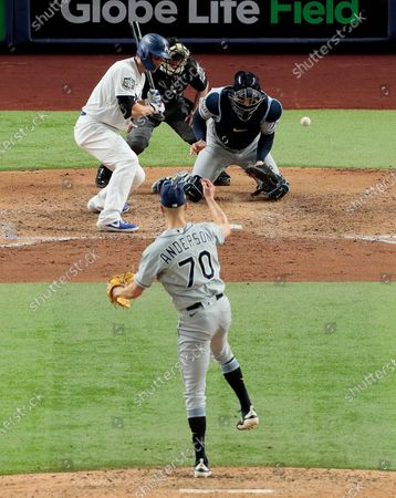 Arlington, Texas, Tuesday, October 27, 2020 Tampa Bay Rays relief pitcher Nick Anderson (70) throws a wild pitch, allowing Austin Barnes to score the Dodgers first run in the sixth inning in game six of the World Series at Globe Life Field. (Robert Gauthier/ Los Angeles Times)