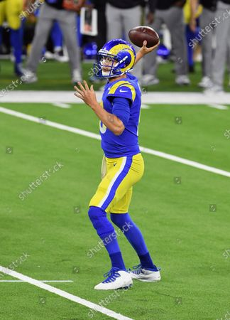 Los Angels Rams quarterback Jarred Goff (16) passes the ball during an NFL football game against the Chicago Bears, in Inglewood, Calif. The Rams defeated the Bears 24-10