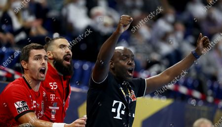 David Davis Camara (R), head coach of Veszprem reacts during the DELO EHF Champions League group stage handball match between THW Kiel and Telekom Veszprem at Wunderino Arena in Kiel, Germany, 28 October 2020.