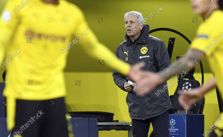 Dortmund coach Lucien Favre reacts at the side lines during the Champions League group F soccer match between Borussia Dortmund and Zenit Saint Petersburg in Dortmund, Germany