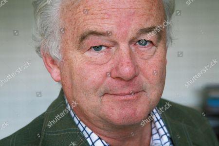 Simon Carr