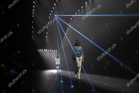 Models present creations at the show CHEN.1988 by Long Chen during the China Fashion Week in Beijing, China, 30 October 2020. The fashion event runs from 24 October to 01 November 2020.의 스톡 사진