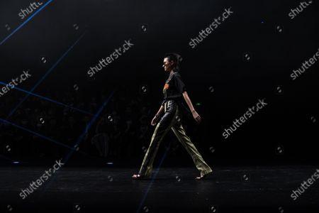 CHEN.1988 by Long Chen - Runway - China Fashion Week, Beijing - 30 Oct 2020 에디토리얼 사진