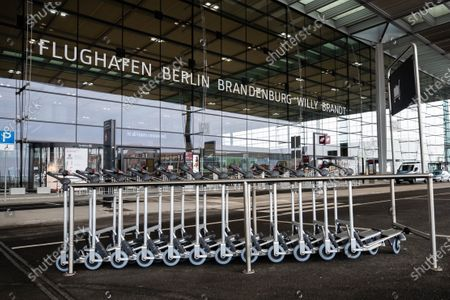 「Terminal 1 of upcoming BER airport, Schoenefeld, Germany - 30 Oct 2020」的報導類照片