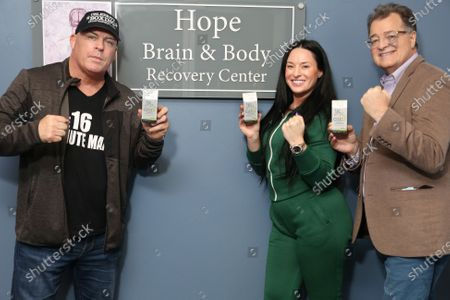 Candice Bar, head of Luxe Media, snd Celebrity Boxing debuts GS1+ at Hope Brain and Recovery Center'with Dr Joseph Schnider and at TotallyTan with Renee Sokolovich