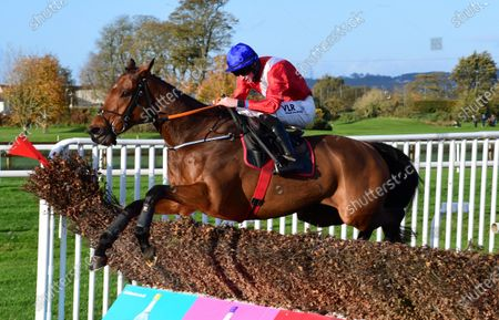 Down Royal ENVOI ALLEN & jack Kennedy jump the last to win the Advanced Scaffolding Beginners Steeplechase.